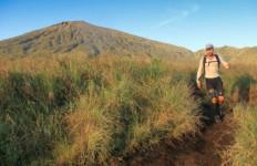 Awal 2020, Jalur Pendakian Gunung Rinjani Ditutup - JPNN.com
