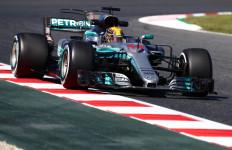 Jalan ke Ferrari Tertutup, Hamilton Sebut Mercedes Tim Impian - JPNN.com