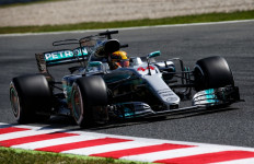 Hamilton Kuasai 2 Sesi Latihan Bebas F1 GP Tiongkok - JPNN.com