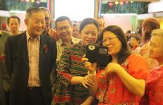 Hadiri Perayaan Waisak, Menko PMK Kutip Pidato Bung Karno 'Negara Bertuhan' - JPNN.com
