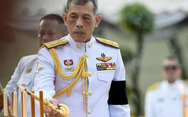 Punya Duit Banyak Banget, Raja Thailand Doyan Ganti-Ganti Pasangan - JPNN.com
