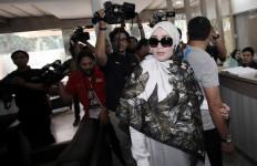 Firza Husein Bantah soal Foto Bugil, tapi... - JPNN.com