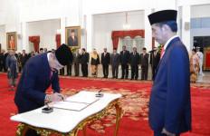 Jokowi Lantik Enam Dubes RI untuk Negara Sahabat, Inilah Mereka - JPNN.com
