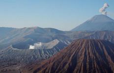 Ada yang Sudah Rindu Mendaki Gunung? Semeru Dibuka Lagi Bulan Depan - JPNN.com