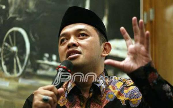 Kiai Maman Persilakan Prabowo-Sandi Gelorakan Minum Susu - JPNN.com