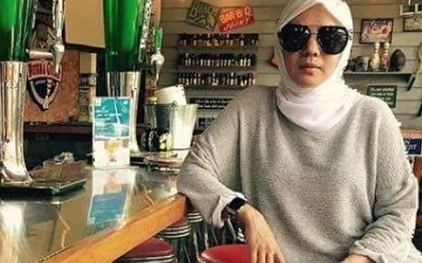 Dokter Cantik Spesialis Kandungan Nyambi Usaha Pangkas Rambut - JPNN.com