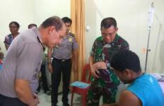 Mantan Pemain Persipura Kena Peluru Karet saat Kerusuhan Padang Bulan - JPNN.com
