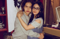 Dul Jaelani Pelukan Dewi Perssik, Kok Celananya Basah? - JPNN.com