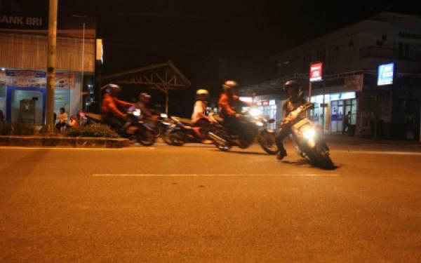 Marak Balap Liar Tengah Malam, Polisi Kerahkan Pasukan Patroli - JPNN.com