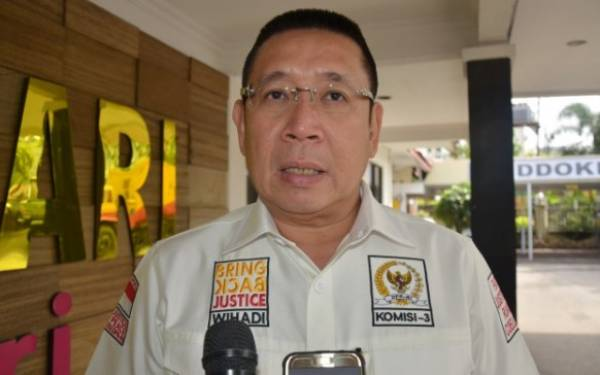 DPR Desak Kejagung Dalami Peran Pengacara Anita Kolopaking dalam Kasus Djoko Tjandra - JPNN.com