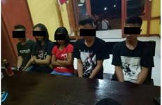 Parah! 2 Wanita dan 3 Pria Ngamar Bareng saat Ramadan - JPNN.com
