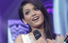 Putri Balikpapan Nikmati Ramadan Sambil Berlatih Bernyanyi - JPNN.com