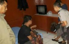 Uhuk... Pak Guru Tertangkap Ngamar Bareng Janda - JPNN.com