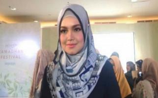 Begini Tanggapan Siti Nurhaliza Soal Bendera Merah Putih Terbalik - JPNN.com