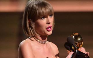 Taylor Swift dan Masa Lalu Penuh Ular - JPNN.com
