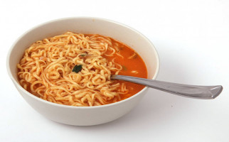 Jangan Makan Mi Instan Terlalu Banyak, Ini Bahayanya - JPNN.com