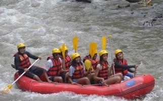 Sebelum ke Yogyakarta, Obama Rafting di Sungai Ayung Bali - JPNN.com