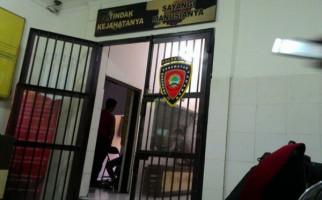 Perempuan Mendobrak Pintu Kamar Hotel, Celdam Suami di Atas Tempat Tidur, Ada BH - JPNN.com