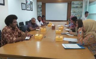 Senator Mervin Fasilitasi Pertemuan Petani Pala dengan Kemendag - JPNN.com