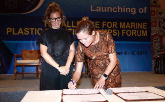 Danone Aqua dan H&M Indonesia Luncurkan Program Bottle2Fashion - JPNN.com