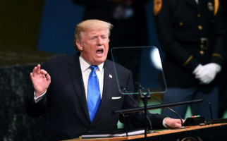 Pos AS Merugi, Trump Salahkan Amazon - JPNN.com