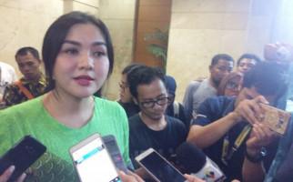 Vicky Shu Melahirkan Anak Kedua, Ini Namanya - JPNN.com