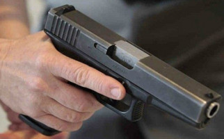 Warga Diduga Tewas Akibat Kena Peluru Nyasar Polisi - JPNN.com