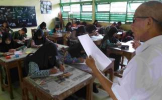 Guru Harus Kuasai Bahasa Asing dan Daerah - JPNN.com