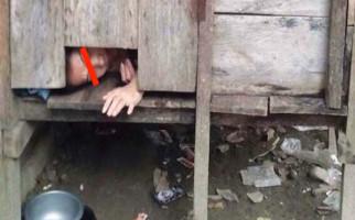 Detik-Detik Pelepasan Pasung dari Mustina, Mengharukan - JPNN.com