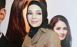 Pernyataan Dewi Sandra Soal Nafkah Suami Menuai Kontroversi - JPNN.com
