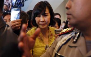 Veronica Tan Titip Surat untuk Majelis Hakim - JPNN.com