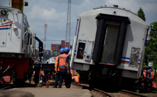 3 dari 10 Gerbong Argo Parahyangan Anjlok di Stasiun Bandung - JPNN.com