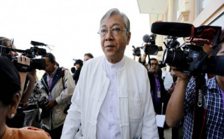 Boneka Aung San Suu Kyi Mundur dari Jabatan Presiden - JPNN.com