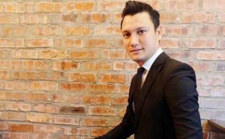 Christian Sugiono Berniat Terjun ke Dunia Politik? - JPNN.com