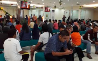Nah Loh! OJK Sebut Penyaluran Kredit Perbankan Swasta dan Asing Rendah, Ada Apa? - JPNN.com