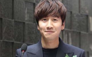 Setelah 10 Tahun Lee Kwang Soo Tetap Setia - JPNN.com