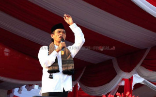 Tak Hanya Ustaz Abdul Somad, Fahri Hamzah Juga Pernah Dilarang Masuk UGM - JPNN.com