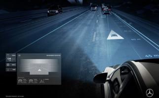 Lampu Mobil Mercedes Benz Bisa Kirim Pesan dan Gambar - JPNN.com