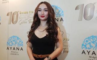 Zaskia Gotik Beber Alasan Mengubah Bentuk Bibirnya - JPNN.com