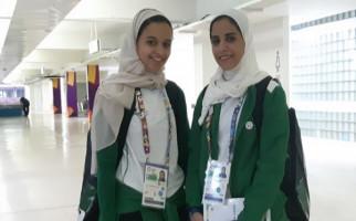 Atlet Perempuan Arab Saudi, Kalah Tetap Senyum Manis - JPNN.com