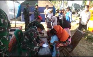 Satgas Kesehatan TNI Melayani Warga Pengungsi di Lombok - JPNN.com