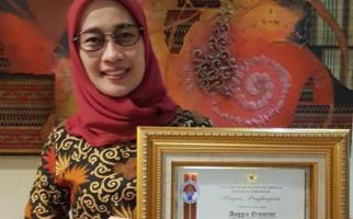 Anggia Ermarini Raih Penghargaan Tokoh Penggerak Olahraga - JPNN.com