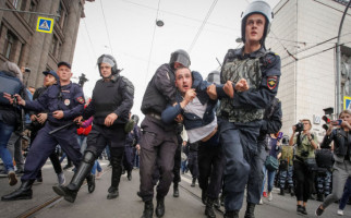Ribuan Warga Rusia Turun ke Jalan Menuntut Demokrasi - JPNN.com