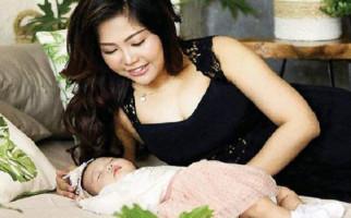 Mengkonsep Foto Bersama Ibu dan Bayi - JPNN.com