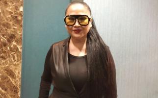 Stephanie Poetri di Los Angeles Saat Pandemi Corona, Titi DJ Khawatir Banget - JPNN.com