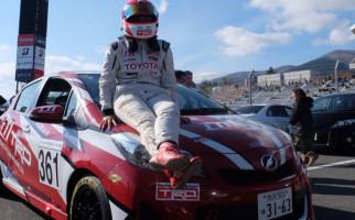 Tunggangi Toyota Yaris, Alinka Tampil Impresif di Jepang - JPNN.com