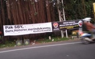 Ingat ya, Bukan Hanya SBY yang Peduli Nasib Honorer - JPNN.com