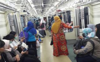 KRL Lintas Rangkasbitung Hari ini tidak Berhenti di Stasiun Palmerah dan Tanah Abang - JPNN.com