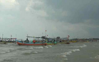 Ribuan Nelayan Berhenti Melaut - JPNN.com