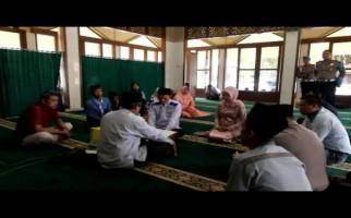 Kapolres Izinkan Tahanan Menikah di Masjid Polres - JPNN.com